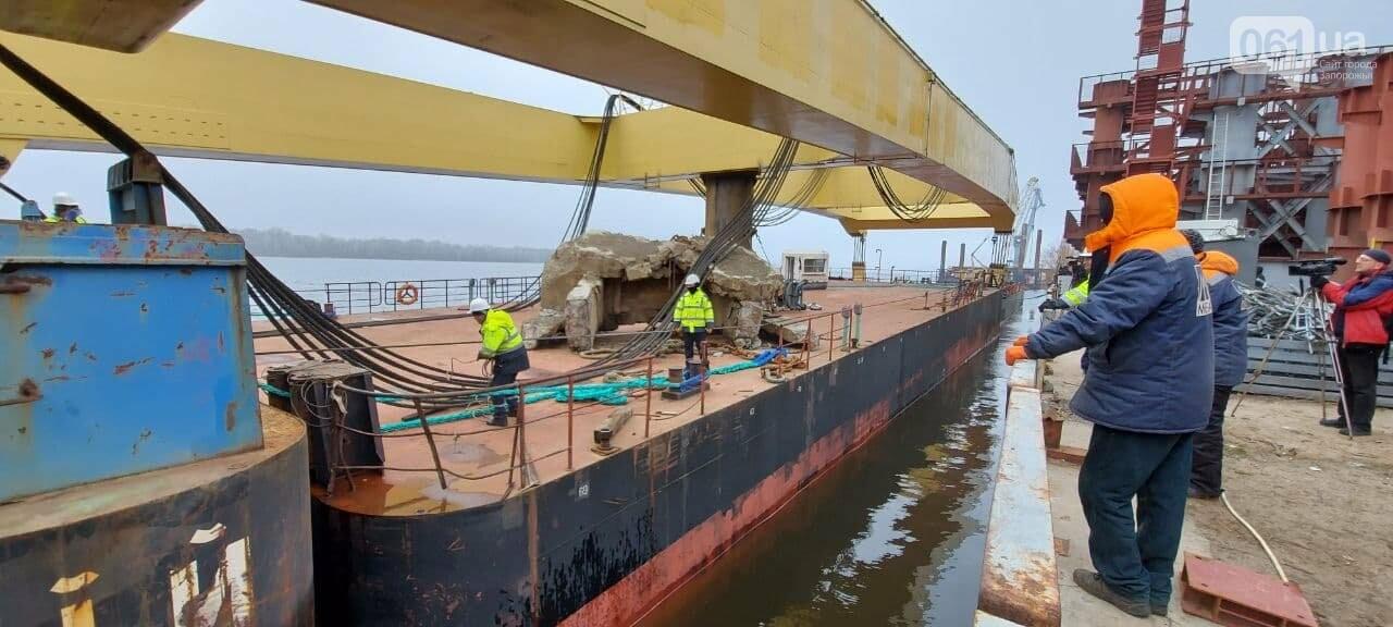 """Плавучий кран """"Захарий"""", который будет достраивать запорожские мосты, прибыл в Кривую бухту,  - ФОТОФАКТ , фото-12"""