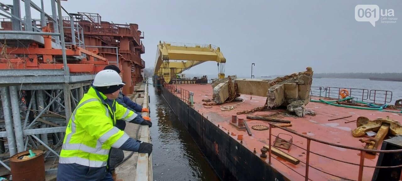 """Плавучий кран """"Захарий"""", который будет достраивать запорожские мосты, прибыл в Кривую бухту,  - ФОТОФАКТ , фото-16"""