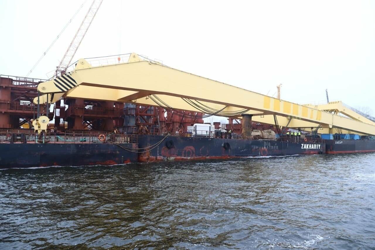 """Плавучий кран """"Захарий"""", который будет достраивать запорожские мосты, прибыл в Кривую бухту,  - ФОТОФАКТ , фото-4"""