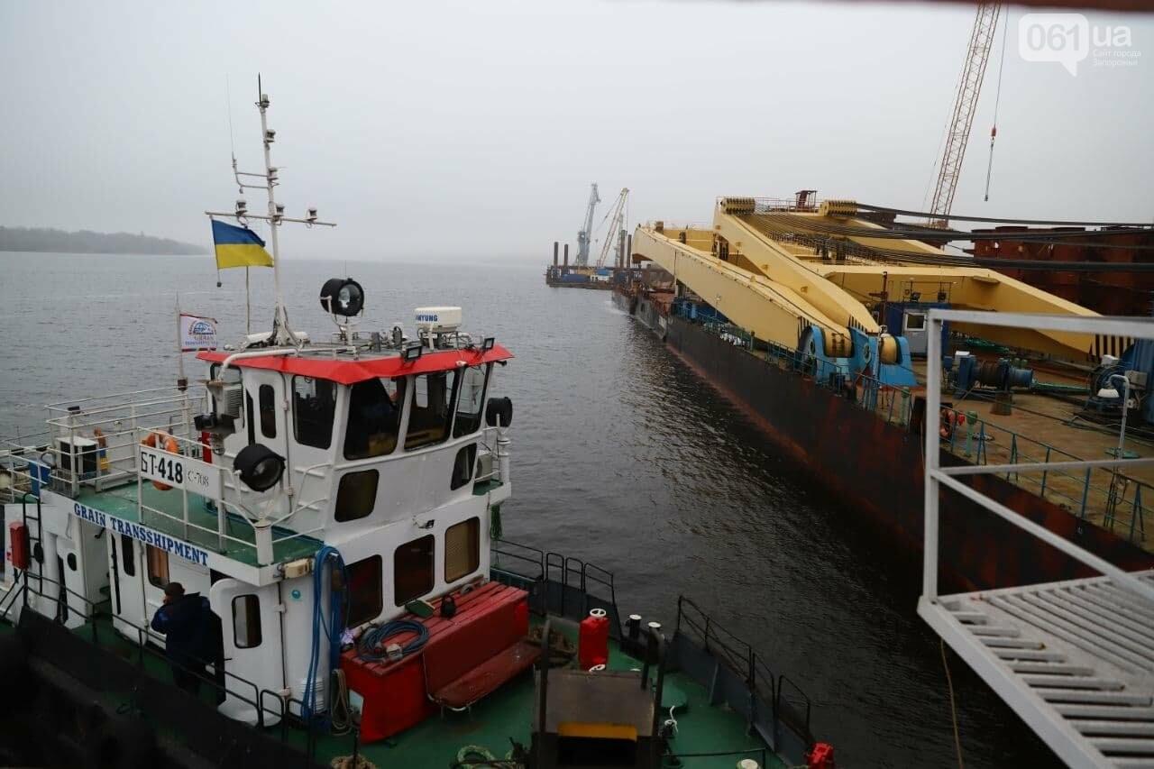 """Плавучий кран """"Захарий"""", который будет достраивать запорожские мосты, прибыл в Кривую бухту,  - ФОТОФАКТ , фото-6"""