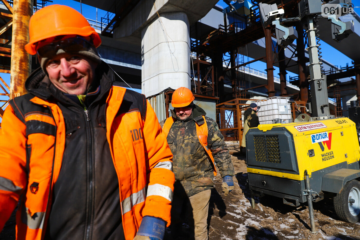 Кран с иностранной пропиской, ванты и металл: строительство запорожских мостов в фотографиях, фото-34