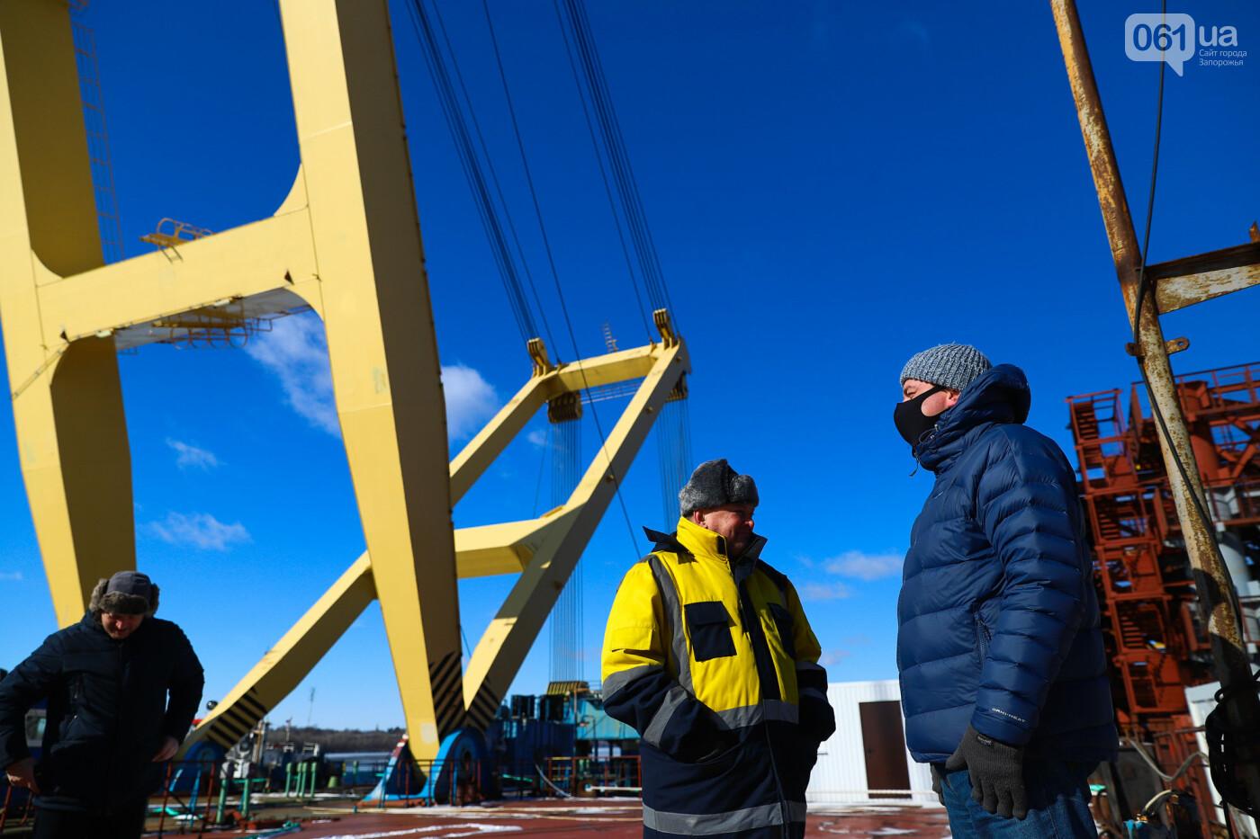 Кран с иностранной пропиской, ванты и металл: строительство запорожских мостов в фотографиях, фото-6