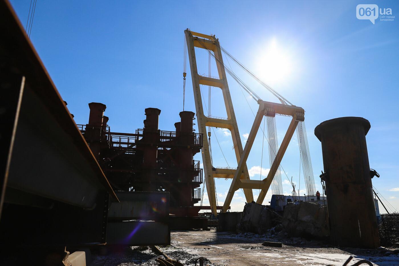 Кран с иностранной пропиской, ванты и металл: строительство запорожских мостов в фотографиях, фото-2