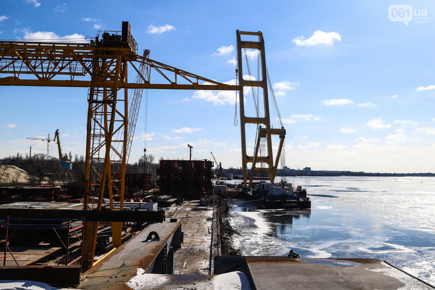 Кран с иностранной пропиской, ванты и металл: строительство запорожских мостов в фотографиях, фото-3