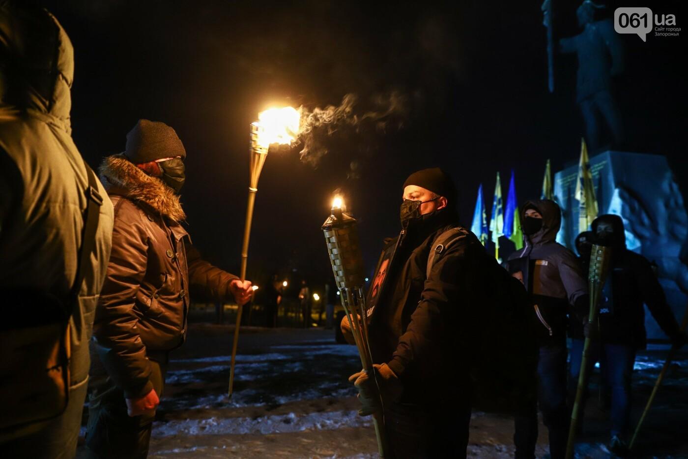 Бои за Широкино: в Запорожье зажгли факела в память о погибших бойцах, - ФОТОРЕПОРТАЖ , фото-10