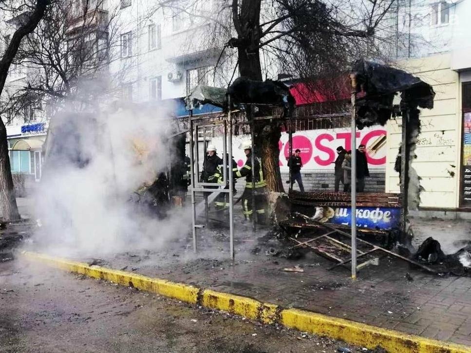 В Запорожье на остановке сгорел торговый киоск, - ФОТОФАКТ , фото-2