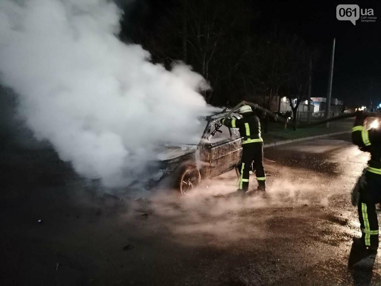 """В Мелитополе на ходу загорелся """"Land Rover"""", - ФОТО, фото-2"""