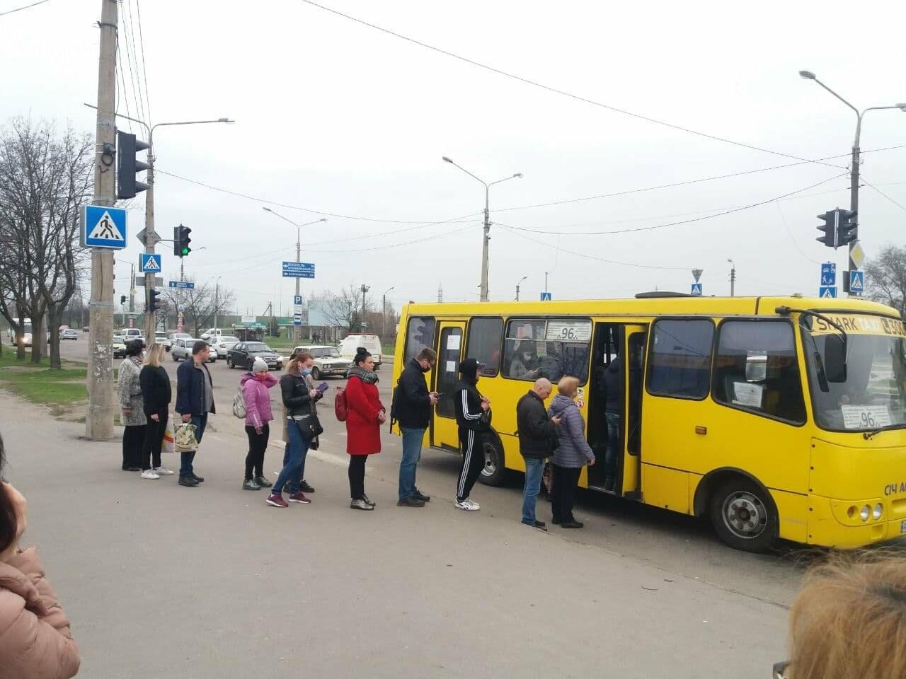 Первый день транспортного локдауна в Запорожье: что изменилось, - ФОТО, фото-2