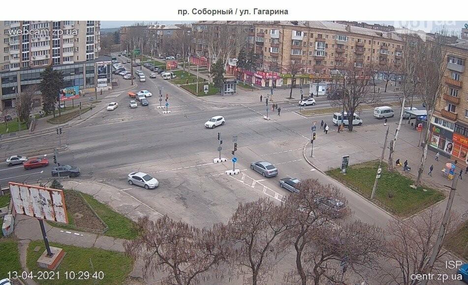 В Запорожье водители маршруток и автобусов игнорируют транспортные ограничения и продолжают возить пассажиров, - ФОТО , фото-5