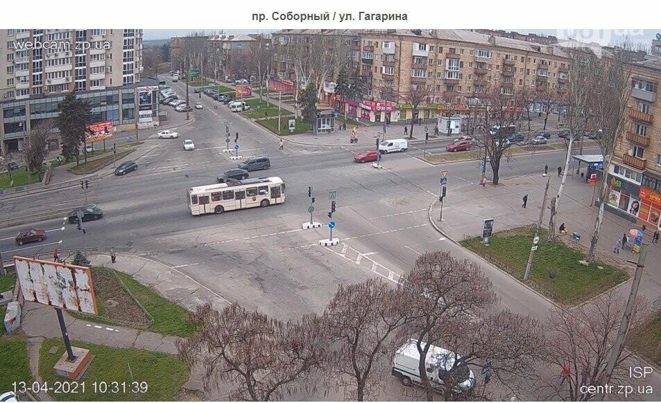В Запорожье водители маршруток и автобусов игнорируют транспортные ограничения и продолжают возить пассажиров, - ФОТО , фото-6