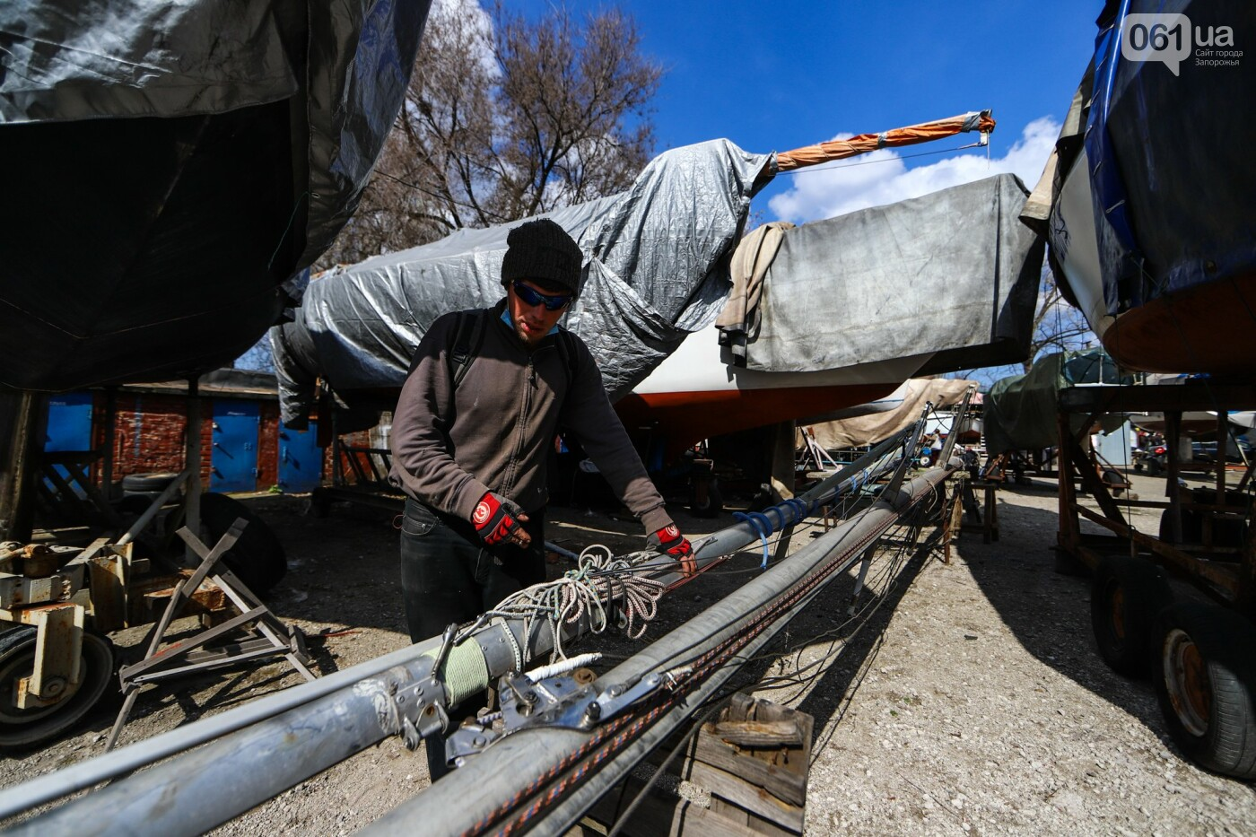 «Семь футов под килем!»: как в запорожском яхт-клубе спускали судна на воду, - ФОТОРЕПОРТАЖ , фото-48