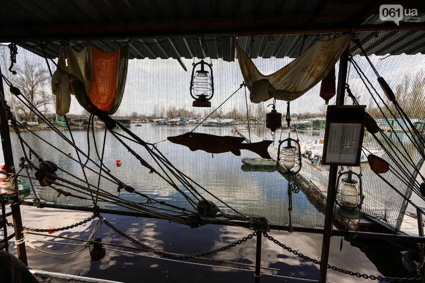 «Семь футов под килем!»: как в запорожском яхт-клубе спускали судна на воду, - ФОТОРЕПОРТАЖ , фото-52