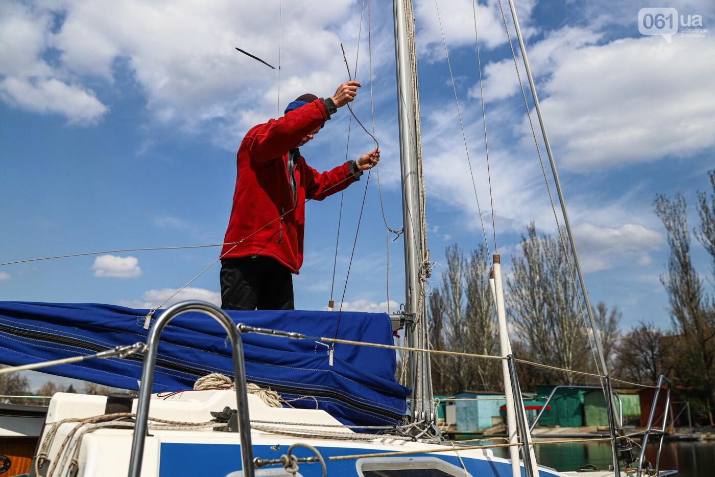 «Семь футов под килем!»: как в запорожском яхт-клубе спускали судна на воду, - ФОТОРЕПОРТАЖ , фото-55