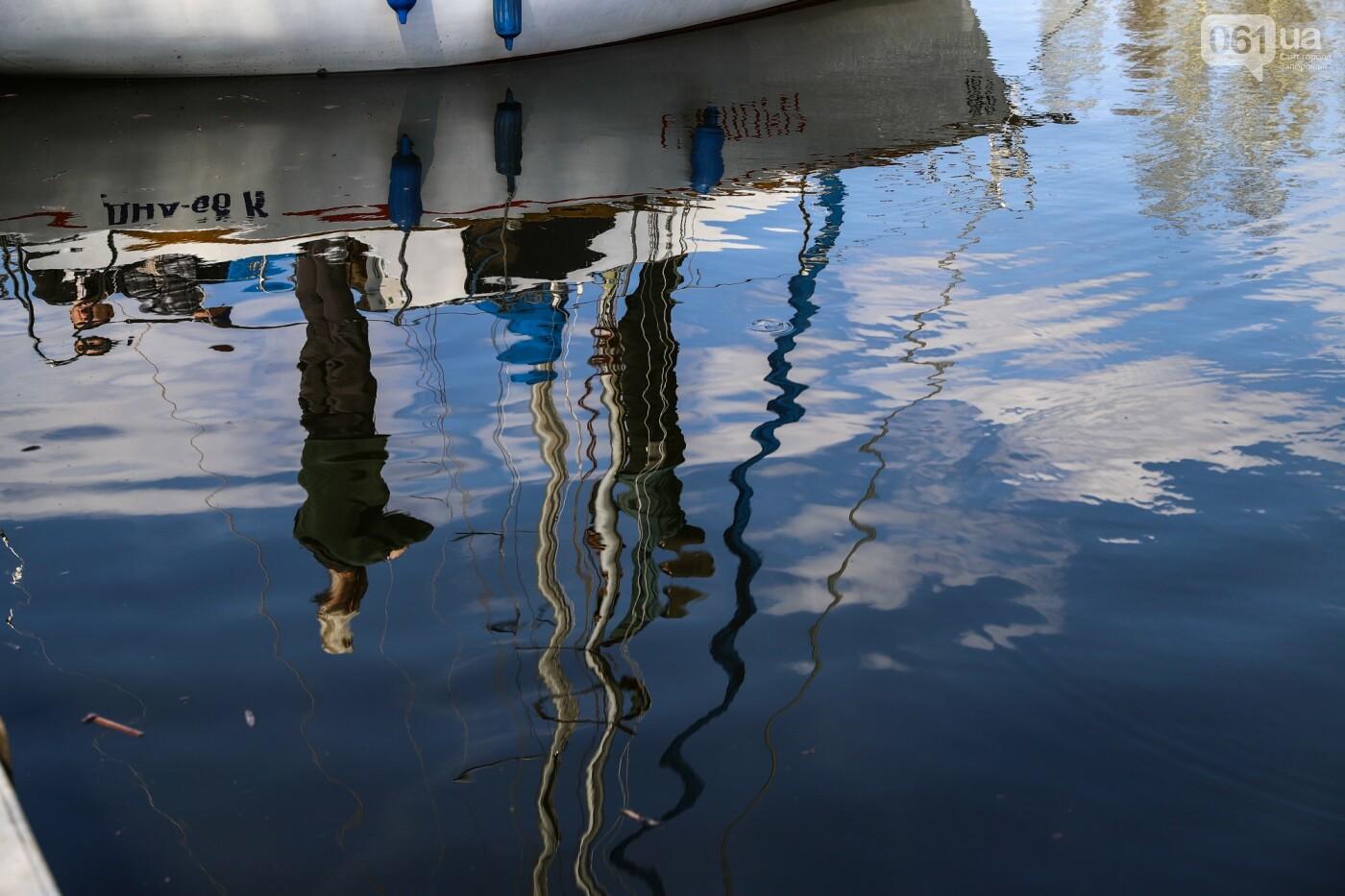 «Семь футов под килем!»: как в запорожском яхт-клубе спускали судна на воду, - ФОТОРЕПОРТАЖ , фото-63