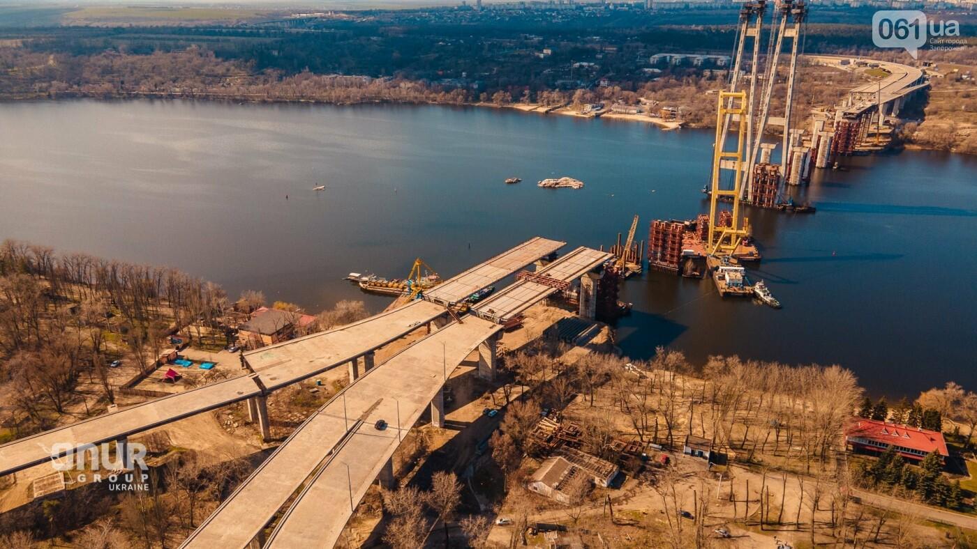 """Плавкран """"Захарий"""" завершает монтаж временных опор вантового моста, - ВИДЕО, фото-5"""