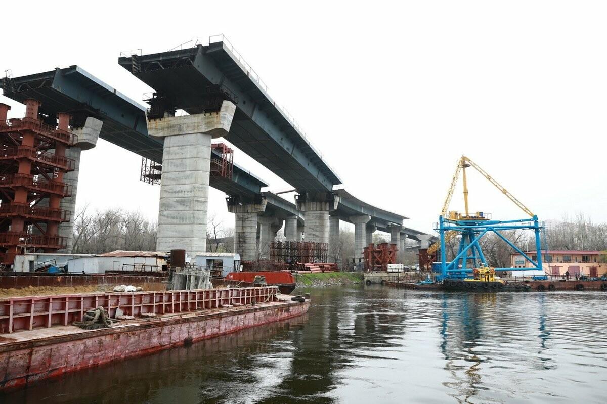 Министр инфраструктуры по дороге в Мариуполь заехал в Запорожье - посмотрел, как строят мосты, - ФОТО , фото-5