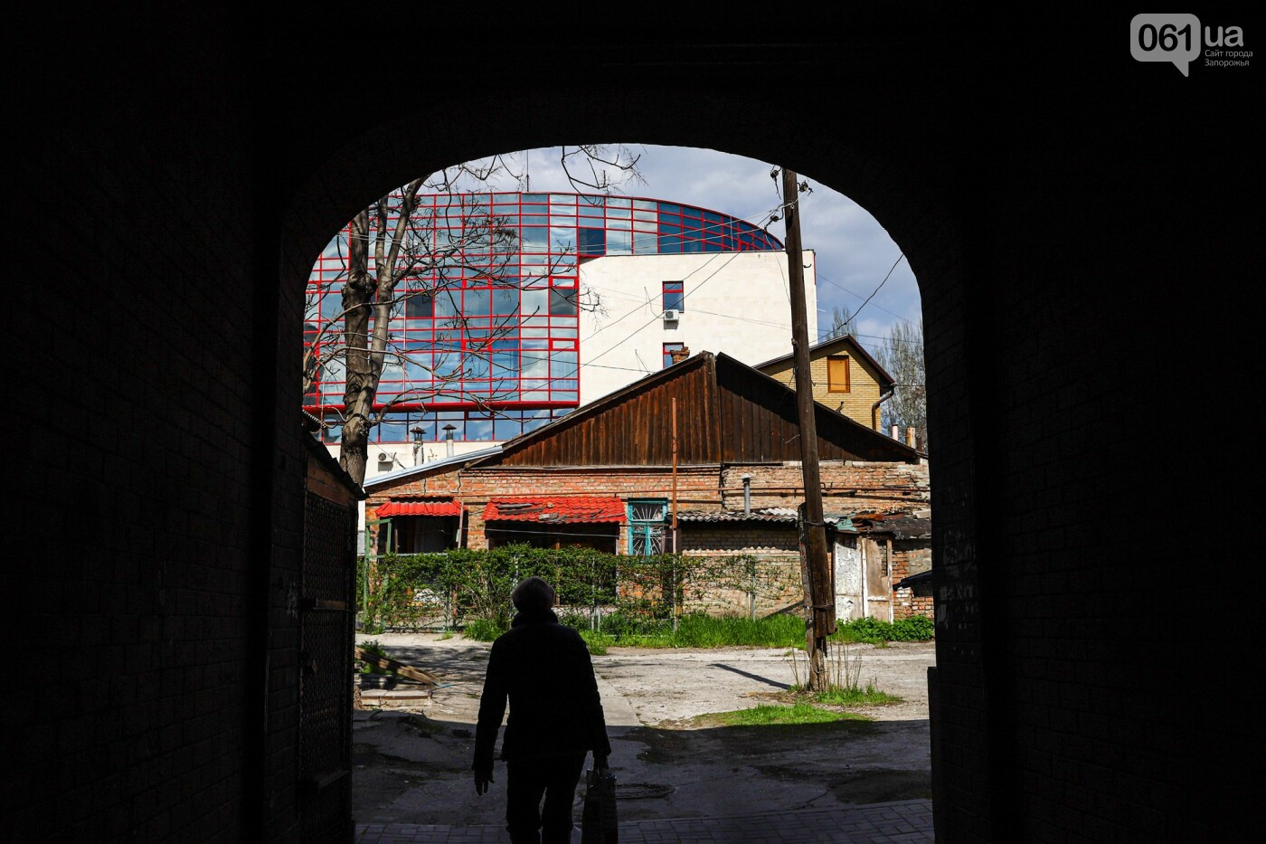 Памятники Старого Александровска: как сейчас выглядит доходный дом Регирера, - ФОТО, фото-26