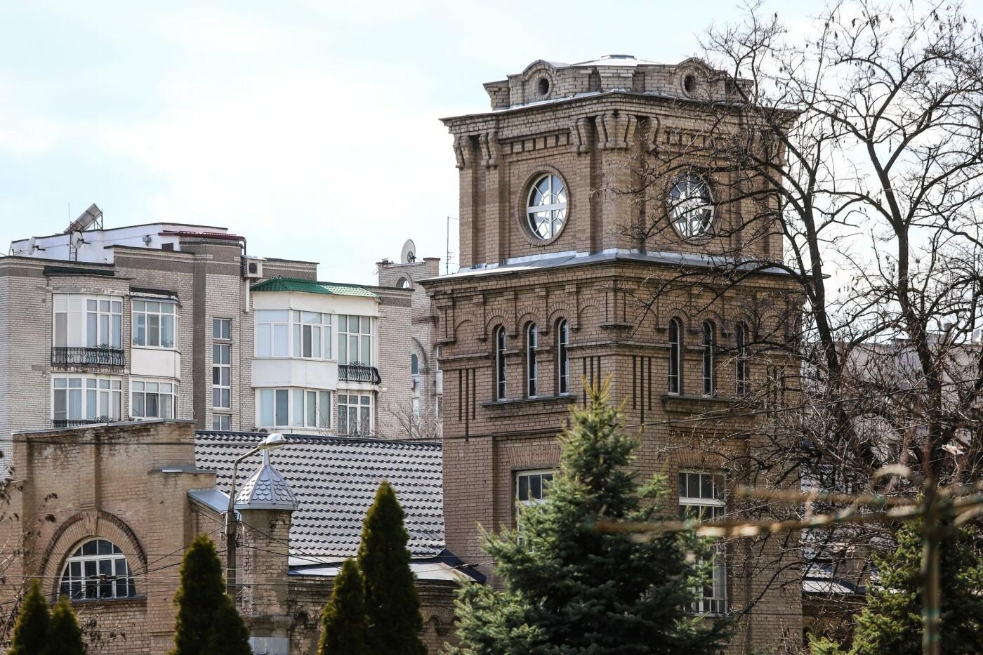 Памятники Старого Александровска: как сейчас выглядит здание первой в городе электростанции, - ФОТО, фото-3