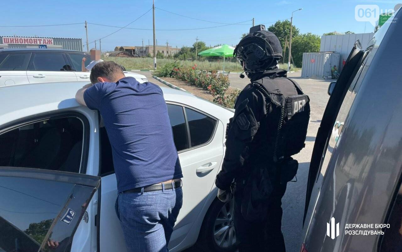 dbr zatrimalo prokurora berdyanskoi okruzhnoi prokuraturi 10 60f1a7f2e8ab1 - Бердянского прокурора задержали на взятке в 25 тысяч долларов США, - ФОТО