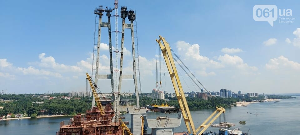 Строительство вантового моста в Запорожье: плавкран установил четвертую секцию, - ФОТО, фото-1