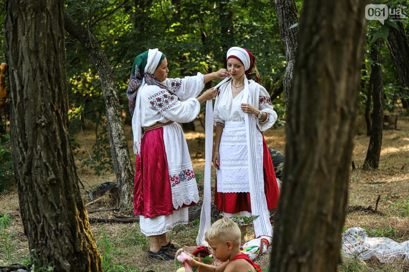 Огонь и дубовые венки: как на Хортице отметили праздник Перуна, - ФОТОРЕПОРТАЖ, фото-1