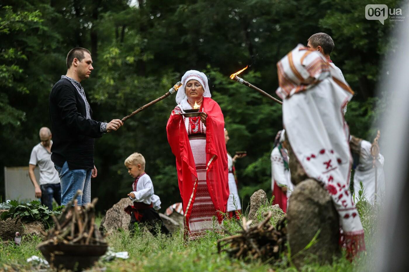 Огонь и дубовые венки: как на Хортице отметили праздник Перуна, - ФОТОРЕПОРТАЖ, фото-19