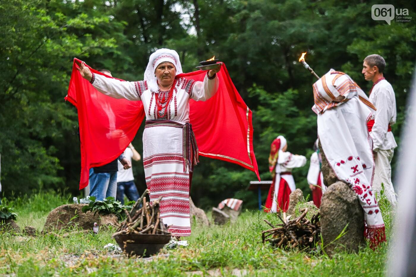 Огонь и дубовые венки: как на Хортице отметили праздник Перуна, - ФОТОРЕПОРТАЖ, фото-20