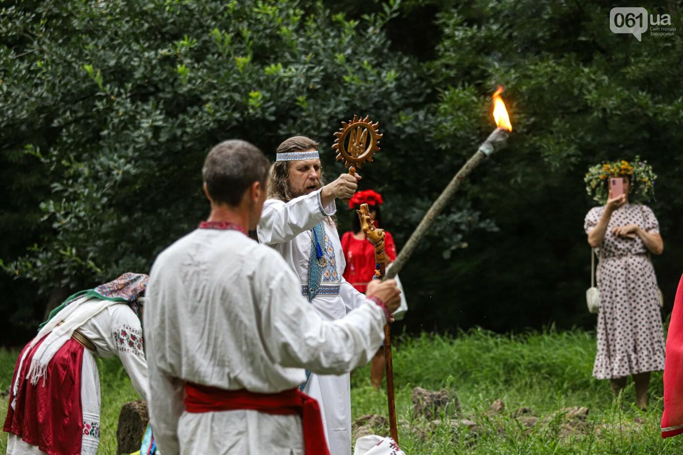Огонь и дубовые венки: как на Хортице отметили праздник Перуна, - ФОТОРЕПОРТАЖ, фото-22