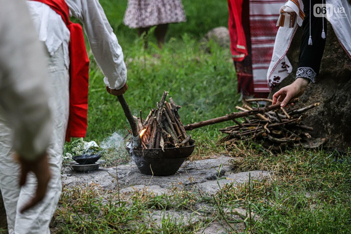 Огонь и дубовые венки: как на Хортице отметили праздник Перуна, - ФОТОРЕПОРТАЖ, фото-23
