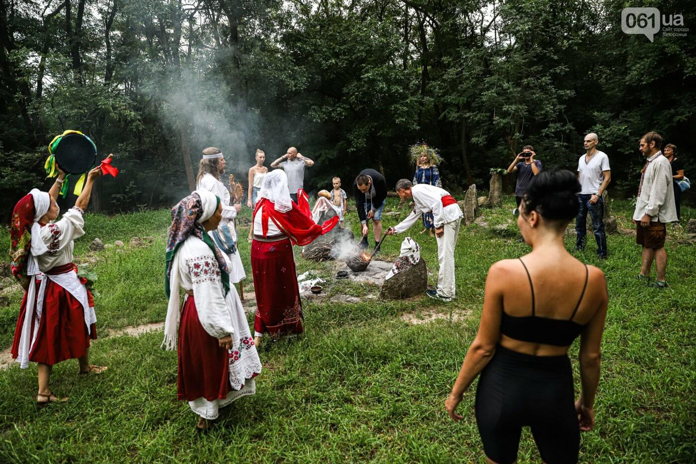 Огонь и дубовые венки: как на Хортице отметили праздник Перуна, - ФОТОРЕПОРТАЖ, фото-24