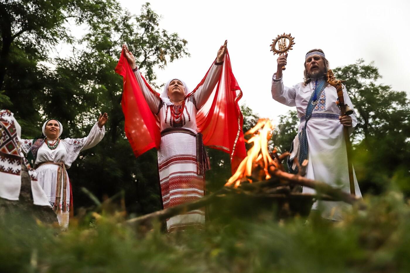 Огонь и дубовые венки: как на Хортице отметили праздник Перуна, - ФОТОРЕПОРТАЖ, фото-26