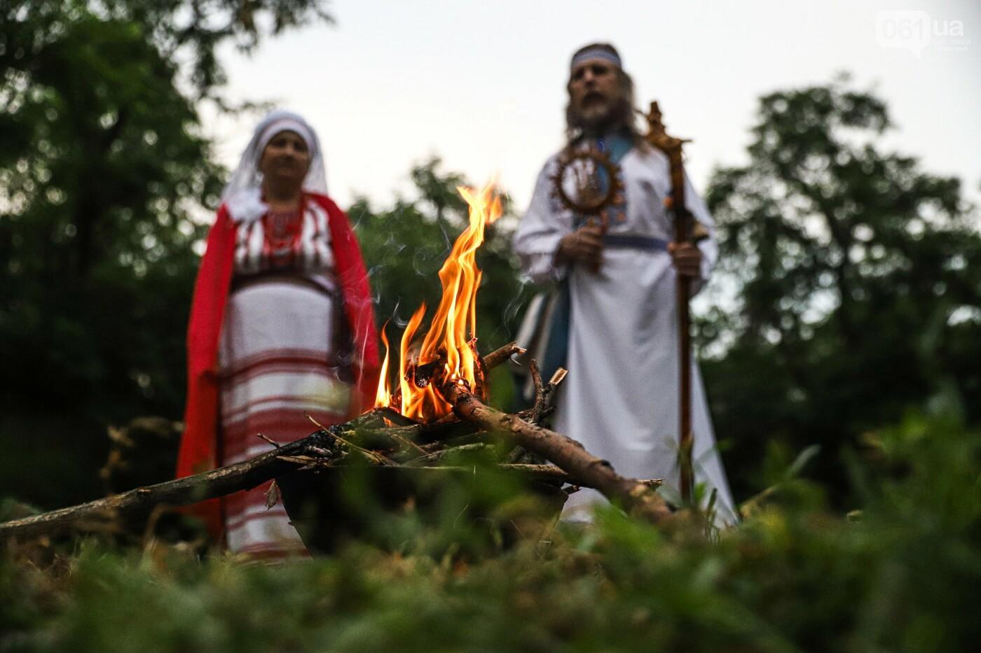 Огонь и дубовые венки: как на Хортице отметили праздник Перуна, - ФОТОРЕПОРТАЖ, фото-27