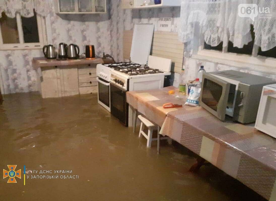 photo2021 08 0806 28 00result 610f98f2b1222 - В курортной Кирилловке из-за сильных дождей произошли подтопления домов, - ФОТО