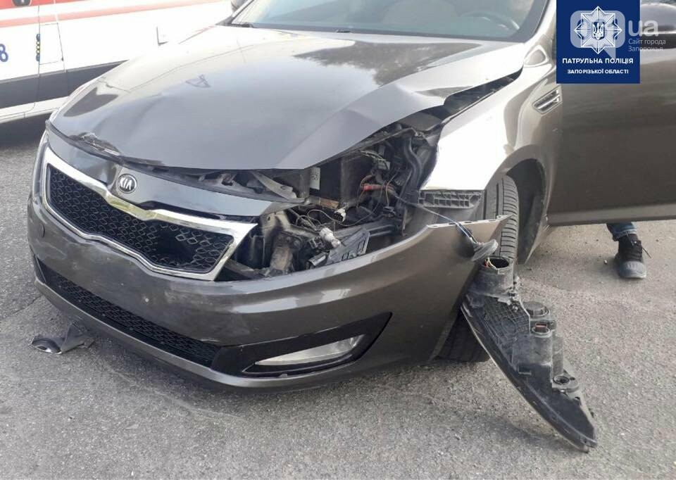 23096028142272093006904823241123553970264015n 611e36ce477bd - В Запорожье столкнулись три легковушки: в ДТП пострадала пассажирка такси