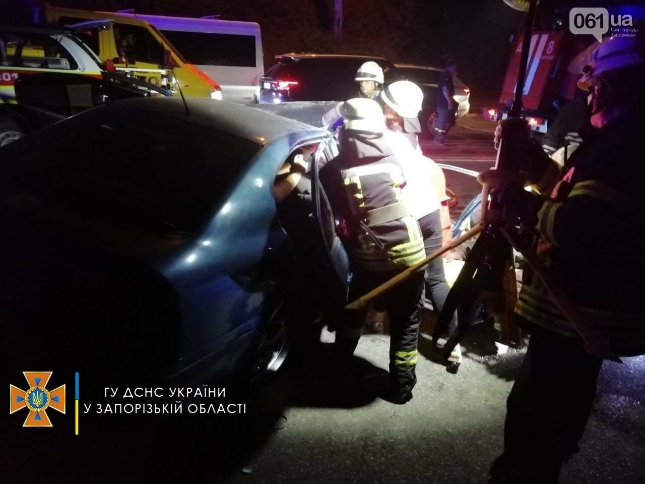 photo2021 09 0920 34 13 4result 613affb2827f3 - В ДТП на Космической пострадали 6 человек, одну из пассажирок зажало в авто