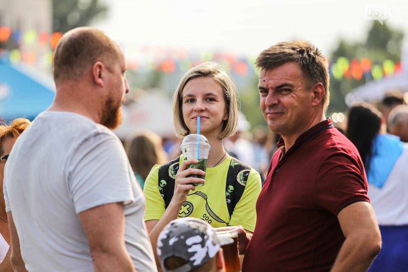 Бограч в хлебных горшочках и мясо из уникальной печи: что нового на фестивале уличной еды в Запорожье, - ФОТОРЕПОРТАЖ, фото-28