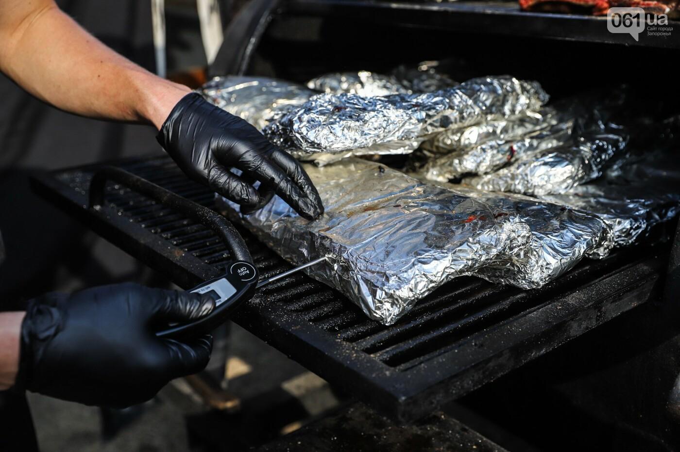 Бограч в хлебных горшочках и мясо из уникальной печи: что нового на фестивале уличной еды в Запорожье, - ФОТОРЕПОРТАЖ, фото-20