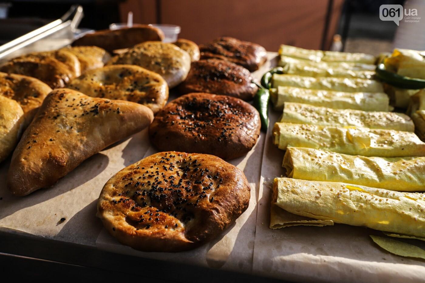 Бограч в хлебных горшочках и мясо из уникальной печи: что нового на фестивале уличной еды в Запорожье, - ФОТОРЕПОРТАЖ, фото-3