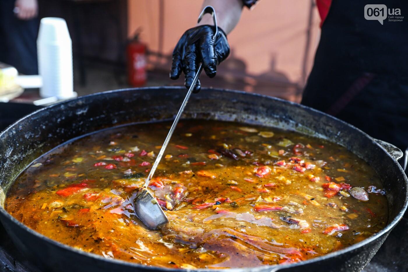 Бограч в хлебных горшочках и мясо из уникальной печи: что нового на фестивале уличной еды в Запорожье, - ФОТОРЕПОРТАЖ, фото-2