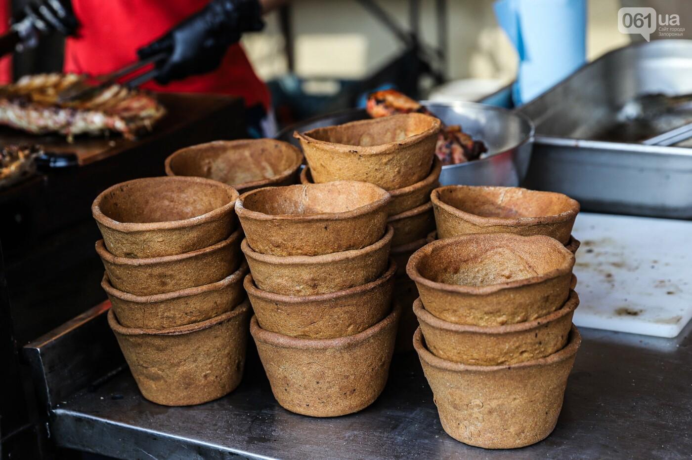 Бограч в хлебных горшочках и мясо из уникальной печи: что нового на фестивале уличной еды в Запорожье, - ФОТОРЕПОРТАЖ, фото-7