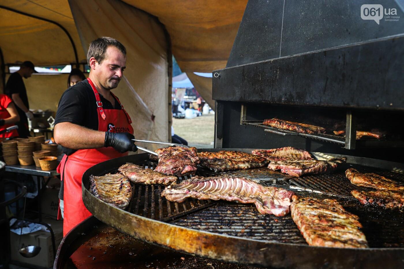 Бограч в хлебных горшочках и мясо из уникальной печи: что нового на фестивале уличной еды в Запорожье, - ФОТОРЕПОРТАЖ, фото-13
