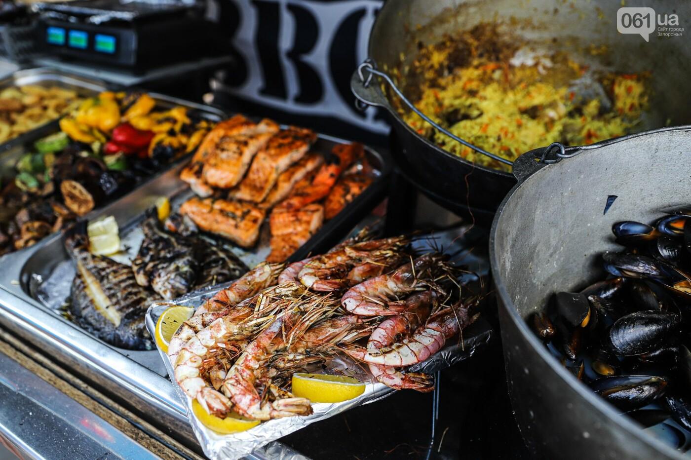 Бограч в хлебных горшочках и мясо из уникальной печи: что нового на фестивале уличной еды в Запорожье, - ФОТОРЕПОРТАЖ, фото-35