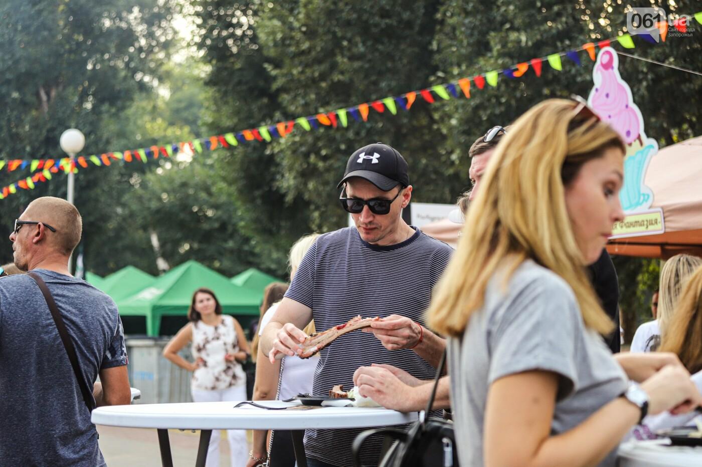 Бограч в хлебных горшочках и мясо из уникальной печи: что нового на фестивале уличной еды в Запорожье, - ФОТОРЕПОРТАЖ, фото-53