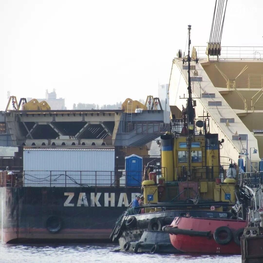 """Плавкран """"Захарий"""" вернулся в Запорожье достраивать вантовый мост , фото-2"""