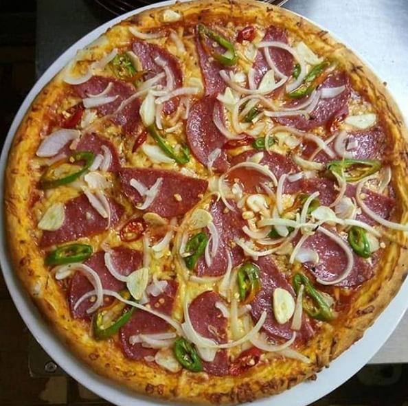 Пицца в Запорожье цена, Доставка пиццы в Запорожье, Заказать пиццу в Запорожье, Пиццерия в Запорожье на Космосе, Доставка пиццы Космос, Пиццерия Ретро в Запорожье