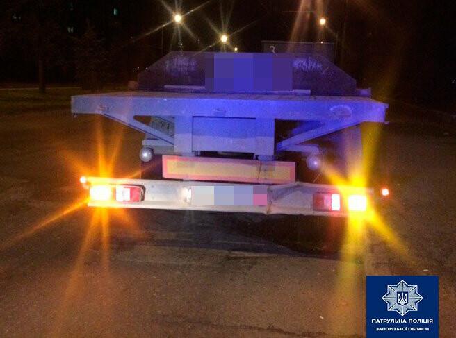 В Запорожье водитель грузовика сбежал с места ДТП - его нашли через по
