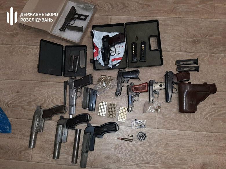 В Запорожье задержали подполковника ГСЧС, который торговал огнестрельн