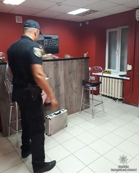 В Запорожье «накрыли» два незаконных игорных зала, — ФОТО, фото-1