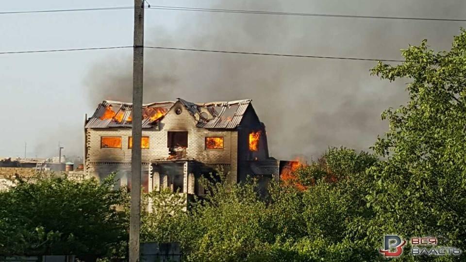 В Запорожском селе пожар уничтожил трехэтажный дом, - ФОТО, фото-2