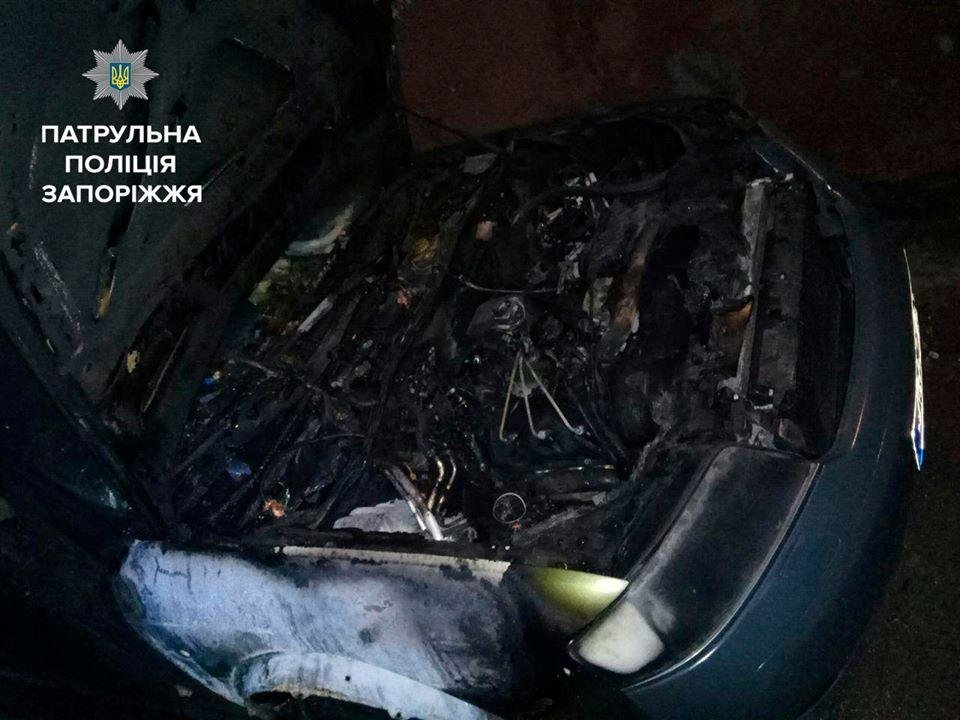 В центре Запорожья сгорели Volkswagen, Audi и BMW, - ФОТО, фото-4